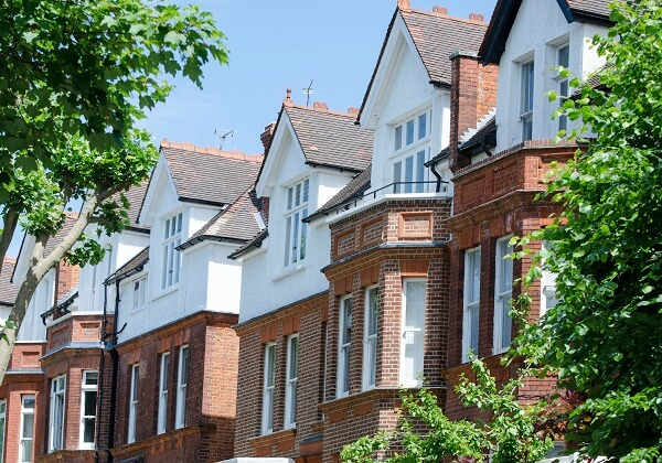 Should Landlords Give Their Consent to Leaseholders?
